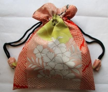 着物リメイク 花柄の着物と絞りで作った巾着袋 1845