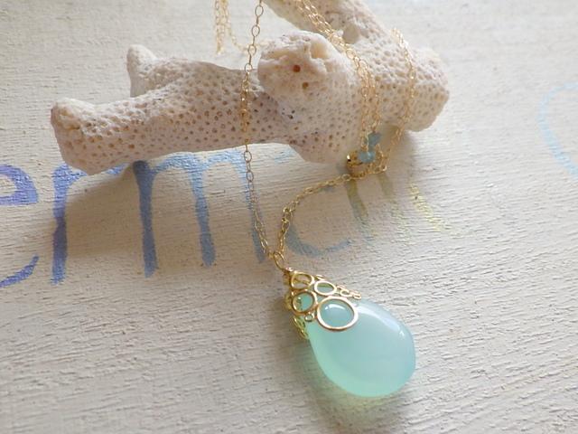 ☆再販☆海の泡カルセドニードロップのネックレス 14Kgf
