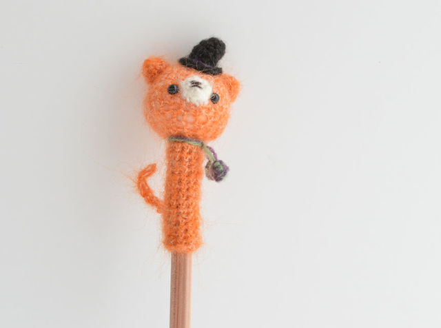 ハロウィン鉛筆帽子|オレンジ色のネコ