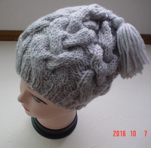 ☆彡巾広ケーブル模様のタッセル付帽子(ライトグレー)