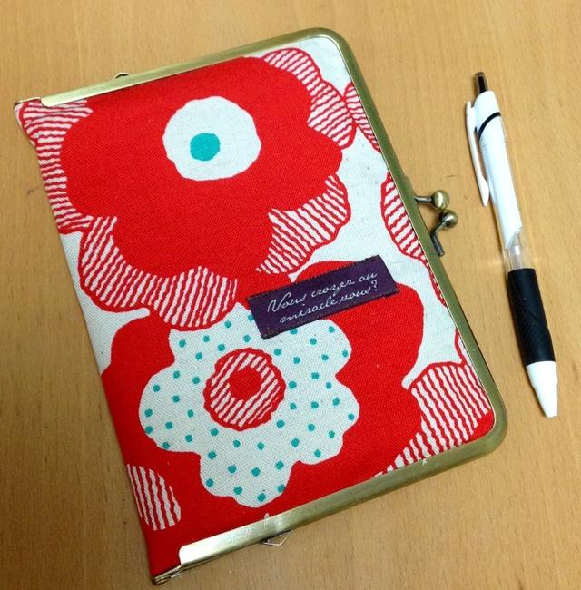 がま口通帳&手帳ケース*北欧風の大きな赤いお花