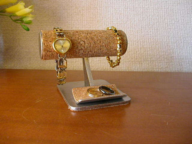 プレゼントに! 小さな小物入れ付き丸パイプ腕時計スタンド ak-design
