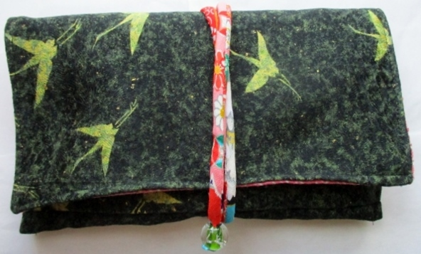 着物リメイク 鶴柄の着物で作った和風財布 1850