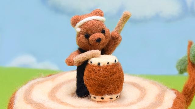 コグマさんが演奏するトントコ和太鼓