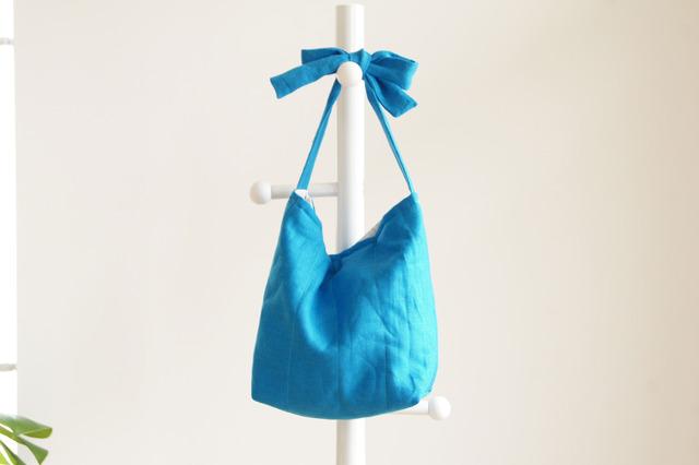 リネンキルティングリボンのバッグ(ターコイズ )