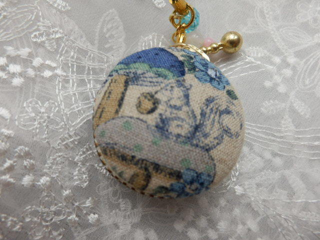 小型 きのこの森のリスのマカロン (天然石の飾り付)