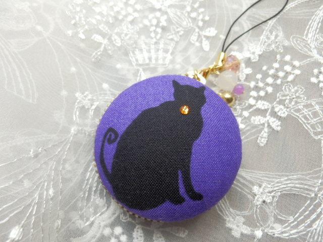中型 ハロウィン気分の黒猫のマカロン (天然石付)