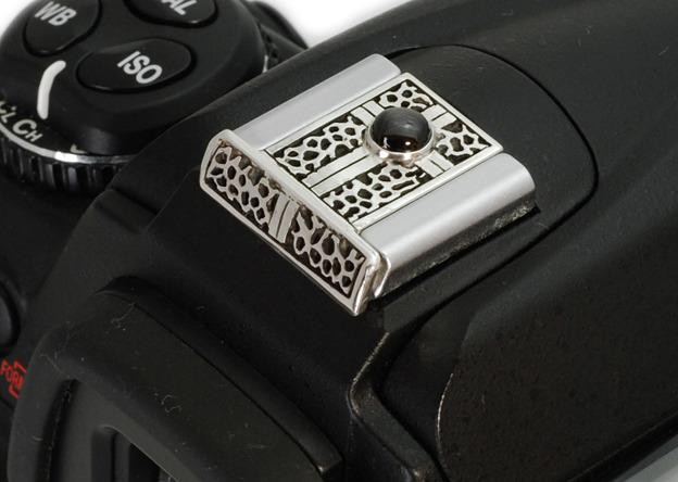 石を入れたシルバー製カメラホットシューカバー SCN-501