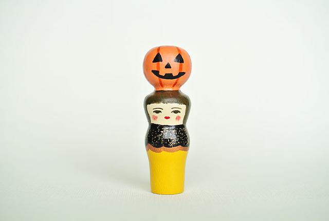 ハロウィン人形(きいろ服)