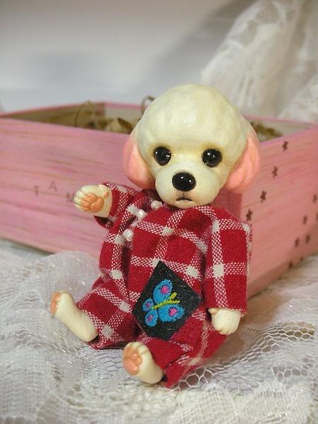 プードルのモコ(ツナギパジャマ)