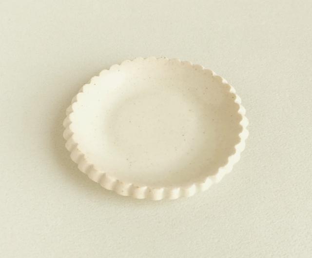 陶器の豆皿〈送料込〉無地_アイボリーマット
