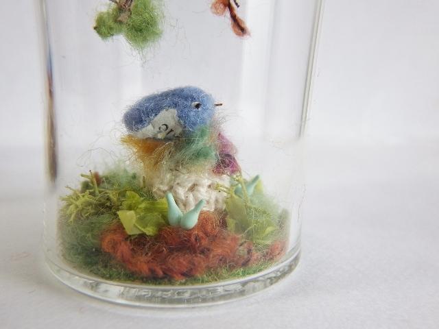 しあわせの青い鳥ボトル-L ・・・落ち葉の降る森から ♪