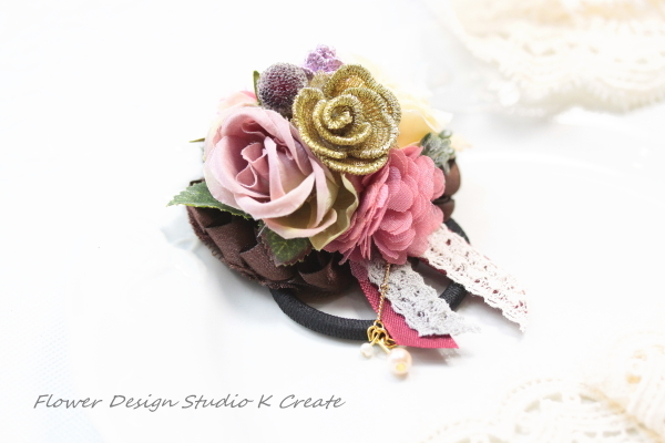 薔薇とパールのお花のヘアゴム:A(Mサイズ)