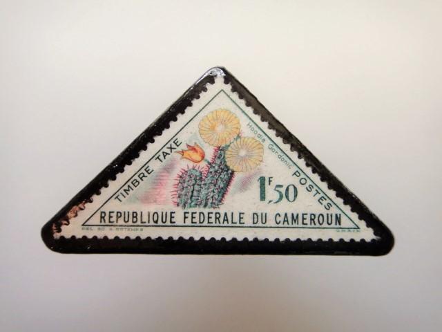 三角切手ブローチ1528