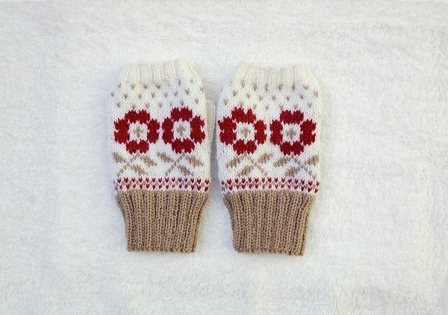 手編みの指なしミトン  【お庭の花】 赤
