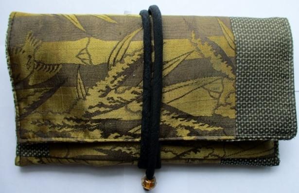 着物リメイク 羽織の裏地と大島で作った和風財布 1859