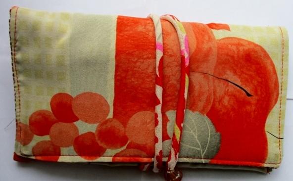 着物リメイク 羽織の裏地で作った和風財布 1860