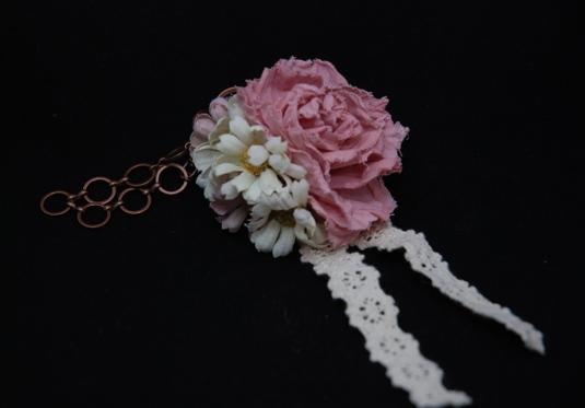 薔薇のバッグチャーム