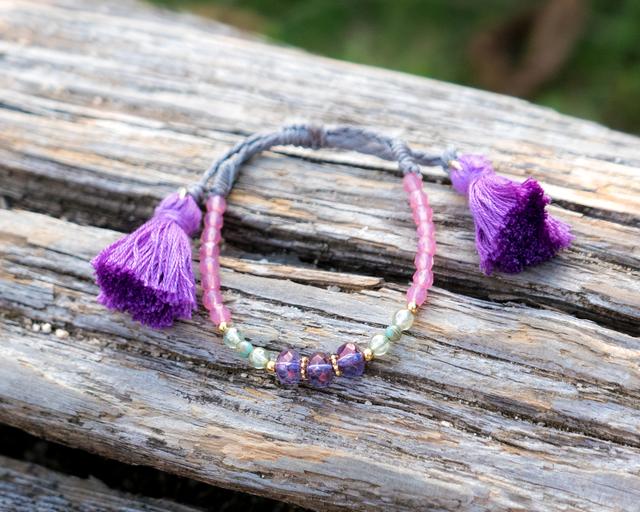 ボヘミアンタッセルブレスレット(紫)