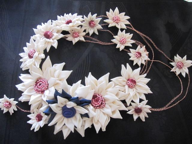 布花のティアラ