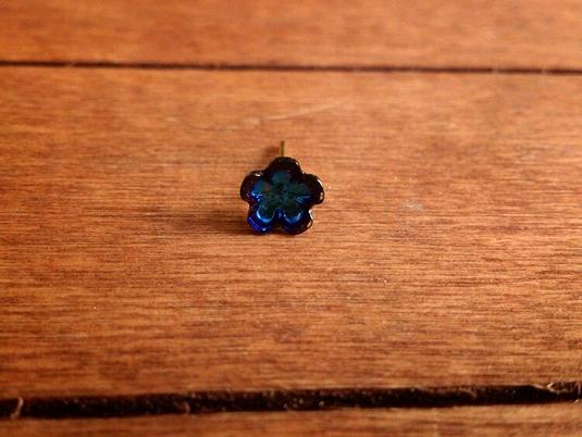 ガラスフラワーピアス ブルー