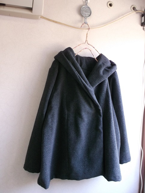 ウールフードコート
