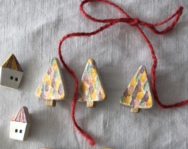 【陶土】イロドリの木 ブローチ