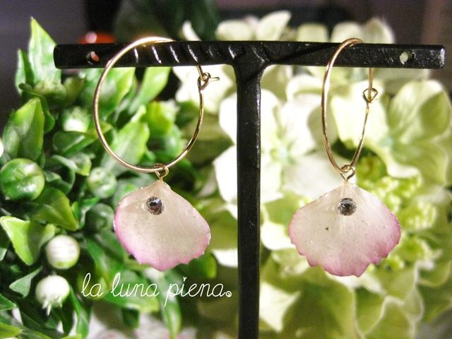 ◇k14gf◇ 紫陽花のひとひらフープピアス