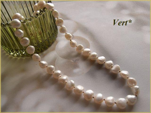 Vert* 【Vermeil】ホワイトバロック淡水パールグリフィン(ベージュ)ショートネックレス