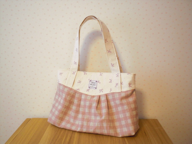 ■オーダー品■ Hug Bag ピンクリボン