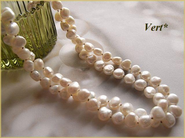 Vert* 【K14GF】ホワイトバロック淡水パールグリフィン(ベージュ)ロングネックレス