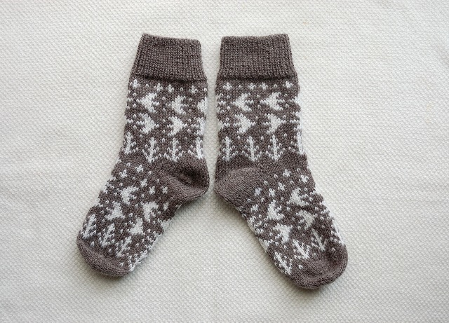 手編みの靴下 【森の小鳥】