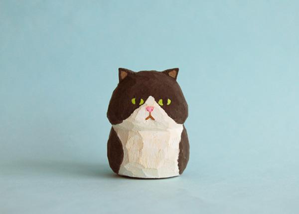 木彫り人形  ネコ 黒×白   [MWF-055]