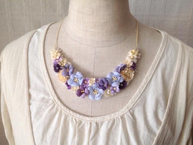 染め花の三日月型ネックレス(M・パープル)