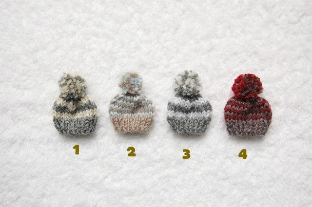 �˥å�˹�֥?����Knitted cap brooch...