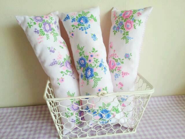 レトロで可愛い小花の長〜いピンクッション(ピンク)