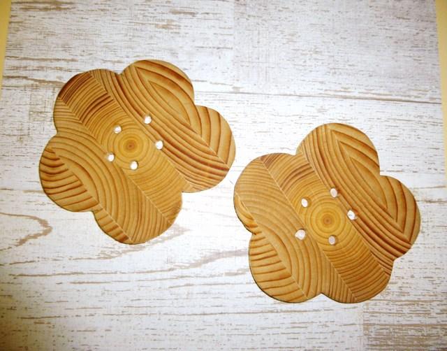 お花の木製コースター?