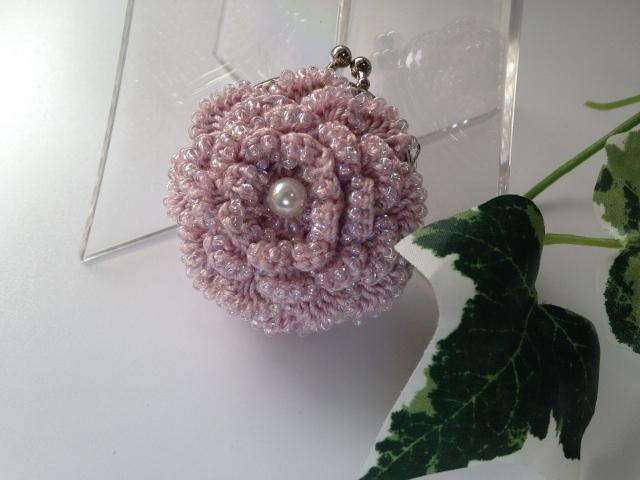 お花のコインパース(ビーズ編み)ちょっと渋めのピンクで(小)