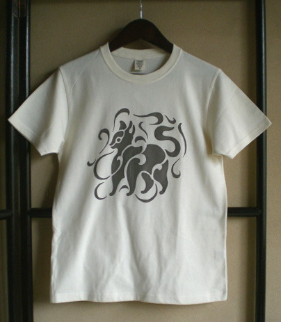 ネコのオーガニックコットンTシャツ