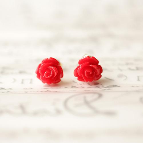 プチ薔薇のピアス