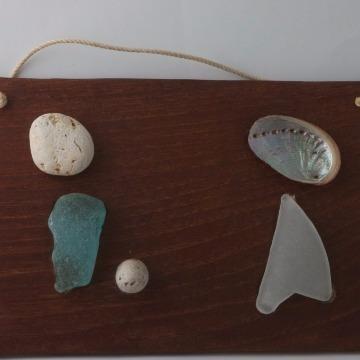送料無料/手作り壁掛け「渚の宝物」