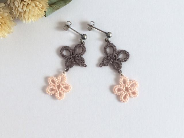 タティングレースのピアス 蝶と小花
