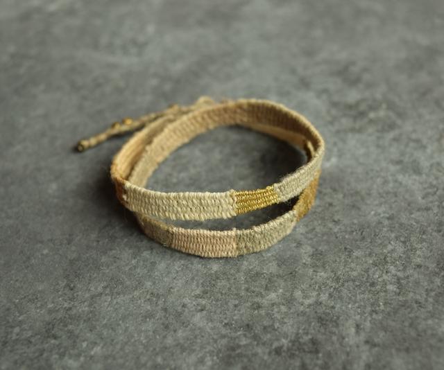 麻の織りの2連ブレスレット