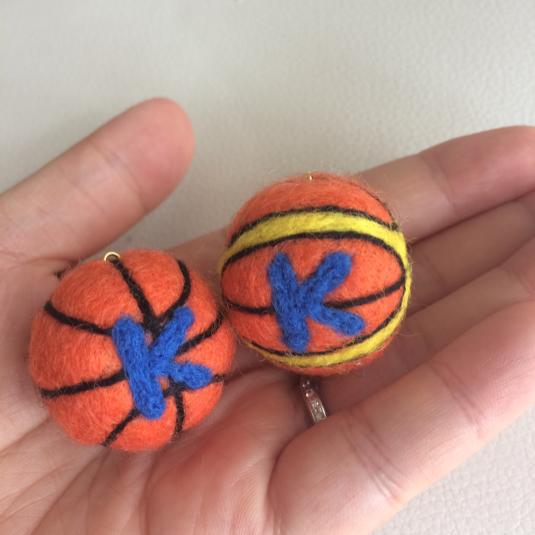 【受注製作】羊毛フェルト バスケットボールストラップ