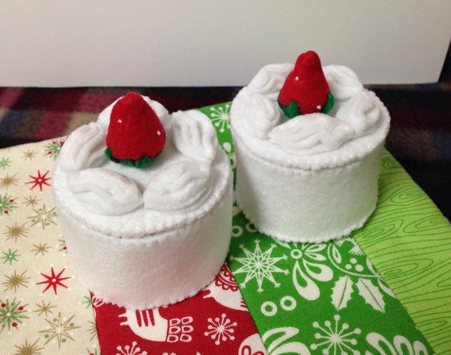 【送料無料】いちごケーキ小物入れ2個セ...