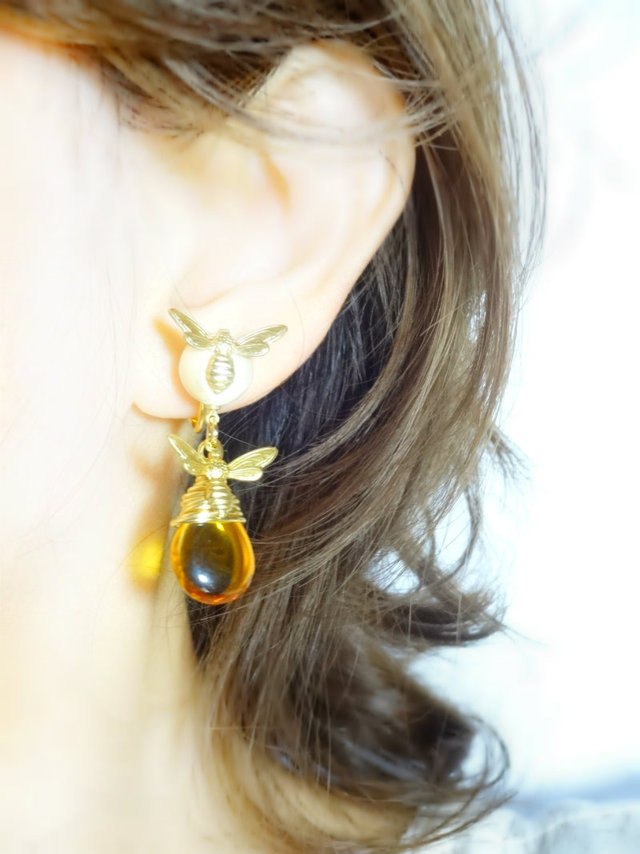 <14KGF> Flying Honeybee Earrings ?