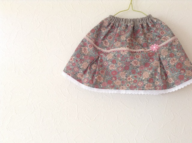 YUWAボックスプリーツのスカート 100