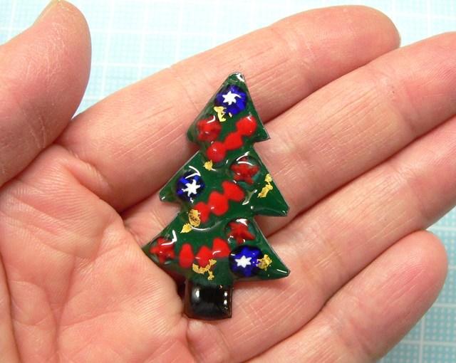 七宝焼・クリスマスツリーのブローチ