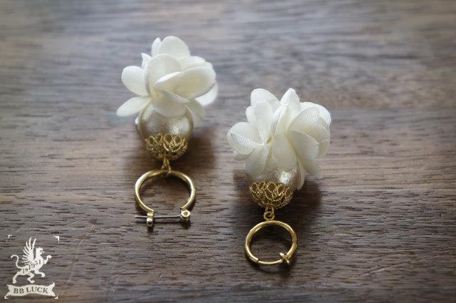 pierce or earring 【 布花フープピアス...