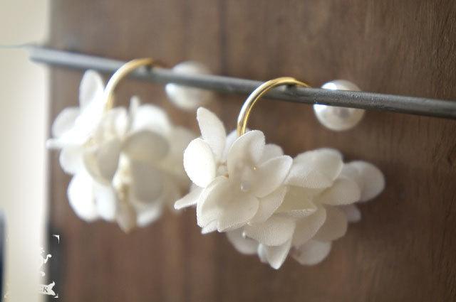 pierce 【 布花フープピアス hydrangea ...